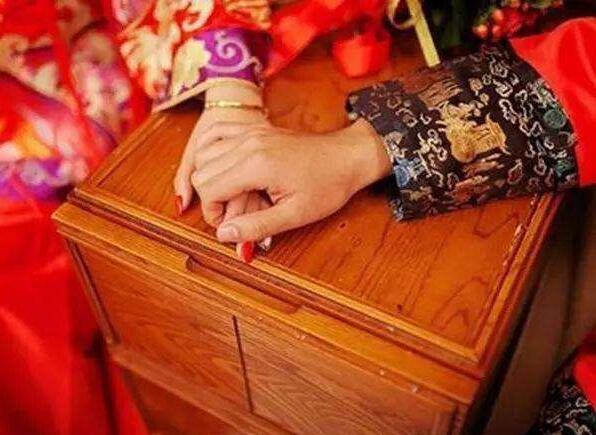 生辰八字匹配婚姻
