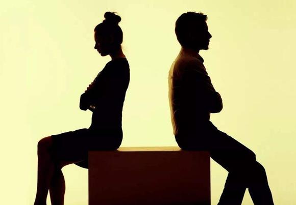 离婚的八字是什么样的