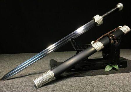 家里放刀剑风水好不好