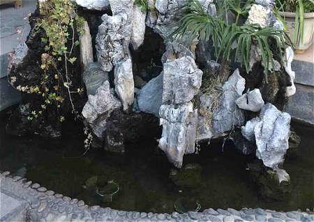庭院假山鱼池风水讲究