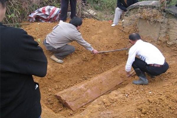 哪些坟墓不建议迁坟