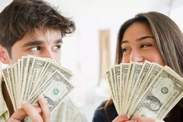 如何从八字看婚后谁管钱