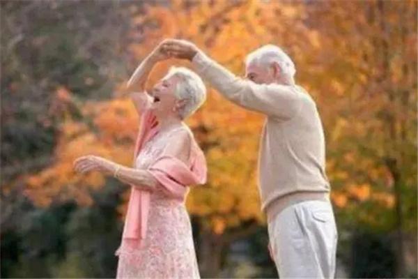 越老越漂亮的女命八字.jpg
